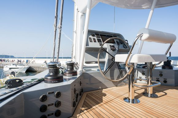 ADEA-navigation-seat