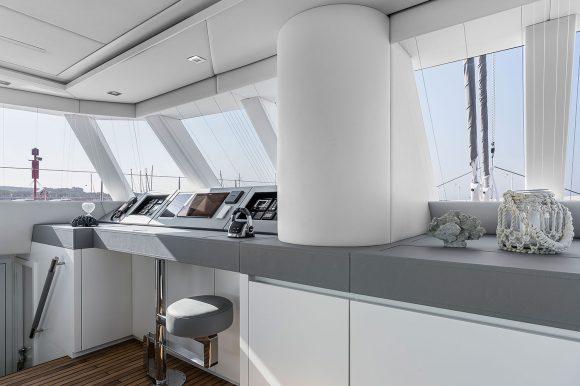 ADEA-navigation-desk